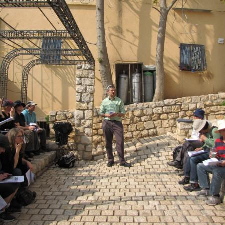 Chanan Ariel  lecturing